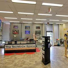 Techknow Space Store Help Desk Mississauga