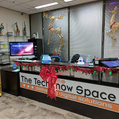 Techknow Space Help Desk Decorated During Christmas