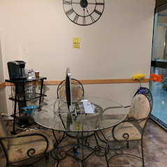 Customer Lounge to Relax and Wait While the Repair is Done